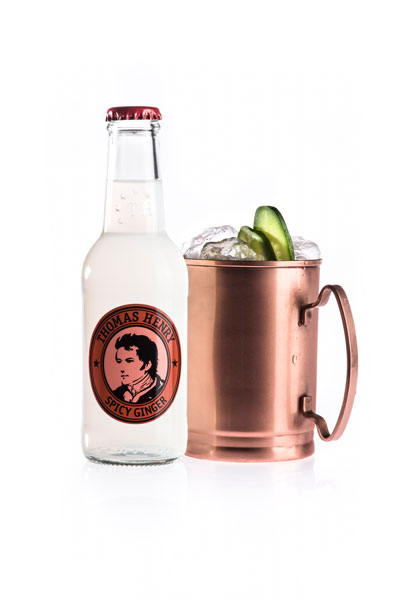 thomas-henry_moscow-mule-with-bottle_with-thomas-henry-spicy-ginger.jpg
